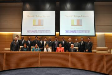 His and Her Excellencies, representatives of the diplomatic missions and the senior administrators of OISCA after the 41st Tokyo Forum